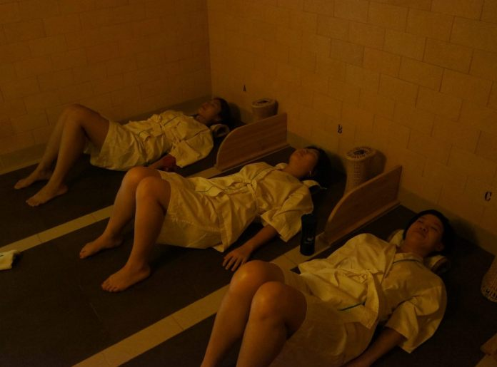 The spa has a total of 19 beds. This room has four (again, Debs was taking the picture). Perfect for a small group of friends.