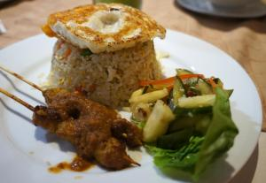 What to eat at the Geographer Cafe? Jonker Fried Rice!