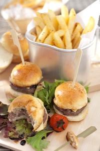 (1) mini burger