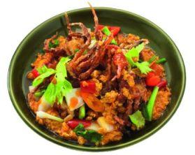 Phu Nim Phad Pong Karee (stir-fried soft shell crab with yellow curry)