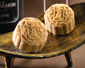 st-regis-royal-milk-tea-champagne-truffle-mooncake