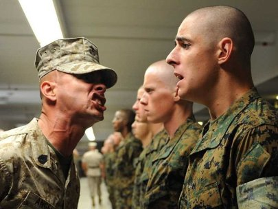 drill-instructor-yelling-marine-corps-10