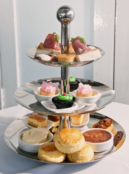Win this delectable high tea set for 2!