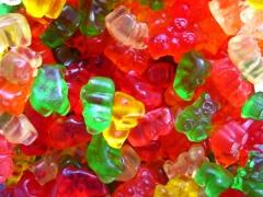 material-moms-gummi-bears
