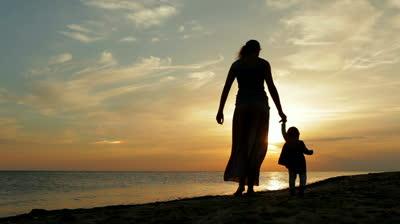 material-moms-silhouette