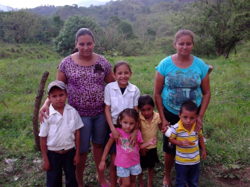 Gladis with her daughter Maria, and grandchildren