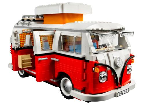 From 16 November to 1 December, the Volkswagen Showroom at Alexandra will be transformed into a Volkswagen-LEGO Christmas Toyland. You can win this VW Camper Van made of LEGO in a contest too! Click to find out!