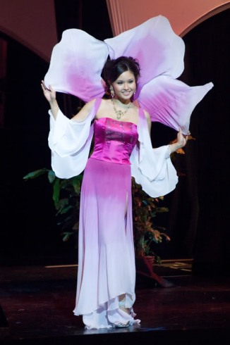 miss-singapore-2009-national-costume