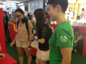 Denise tries her hand at sales at The Body Shop's Christmas event at JEM