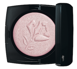 Lancome Highlighter Rose Etincelle illuminates your face and collarbones with a joyful glow.