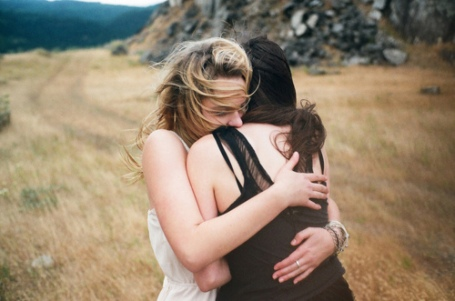 how to comfort somone