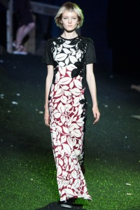 Tropical prints can still be muted, as seen from Marc Jacobs Spring 2014 Ready-To-Wear Collection.