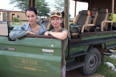 Meet the inspiring faces behind Let Elephants Be Elephants (LEBE), Nadya Hutagalung  and Dr Tammie Matson.