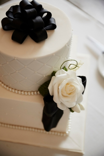 I wanted a simple black and white wedding cake. DONE!